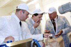 Несколько забавных архивных фото с новым президентом Вейонисом