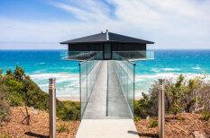 Ekskluzīvs brīvdienu galamērķis - māja, kas šķietami lido virs okeāna