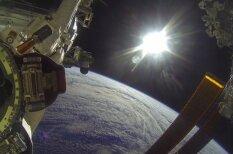 ВИДЕО: Астронавты взяли камеру GoPro на прогулку в открытый космос