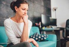 sieviete-skumjas-vientuliba-raizes-49915133.jpg