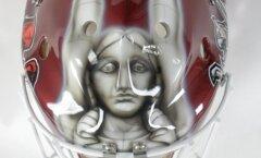 Милда на шлеме помогает Гудлевскису творить чудеса