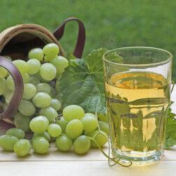 Gaišo vīnogu sula