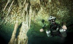 Krāšņi foto: Zemūdens ceļojums stalaktītu alā