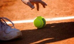 Tenisists Grīnvalds iekļūst Rīgā notiekošā 'Futures' turnīra ceturtdaļfinālā