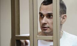 Голодовка в колонии довела режиссера Сенцова до реанимации