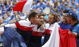 Francijas tenisisti iekļūst Deivisa kausa finālā