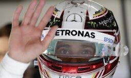 Hamiltons ātrākais pirmajos divos Ķīnas posma treniņos