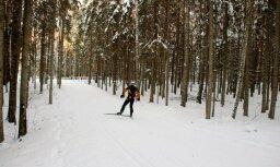 Mediķi snieguši palīdzību trīs slēpotājiem un snovbordistiem