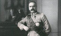Latvijas Kara muzejā skatāma izstāde par neatkarīgās Polijas pirmo valsts vadītāju