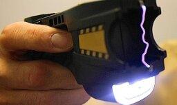 Вецмилгравис: во время задержания хулиганов полиция применила электрошокер