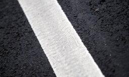 На некоторых дорогах Латвии образовалась наледь