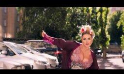 Video: Krievijas kuplākās krūtis valdzinošā klipā