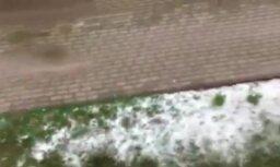 Video: Otrdienas rītā Kolkā izveidojusies krusas sega