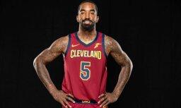 Tiesa NBA spēlētājam Smitam liek samaksāt līdzjutējam par viņa telefona izmešanu