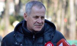 Pēc 22 gadu ilgas karjeras Rīgas Zooloģiskā dārza vadību atstās Rolands Greiziņš