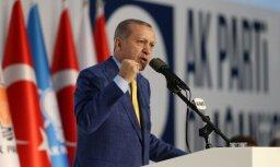 Erdogans draud nepieļaut kurdu valsts izveidošanos Sīrijā
