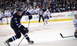 Laine kļūst par jaunāko eiropieti - 'hat trick' autoru NHL