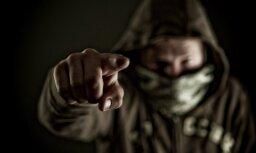 Банда подростков терроризирует жителей Салдуса, полиция считает, что страхи преувеличены