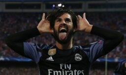 Real Madrid Isco celebrates scoring goal