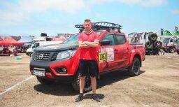 Lietuvietis ar 'Nissan Navara' devies skarbajā Dakaras rallijā