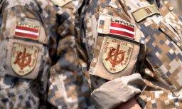 Rīgā karavīri aiztur veikala apzadzēju