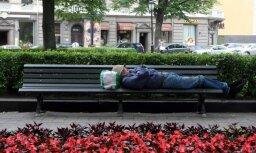 Pētījums: vairāk nekā puse iedzīvotāju iespējas Latvijā atrast labu darbu vērtē kā sliktas