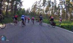 LRF diskvalificē riteņbraucējam pa galvu iespērušo sportistu