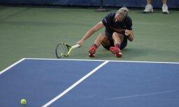 Francijas tenisists sodīts par agresīvu uzvedību kortā