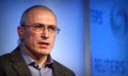 Maskavas policija veic kratīšanu Hodorkovska kustības birojā