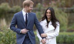 Foto: Prinča Harija līgava lepni atrāda saderināšanās gredzenu