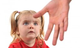 """LTV7. """"Дети системы"""": о насилии в детдомах узнают только приемные родители"""