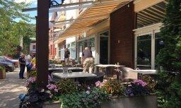 Юрмала: охранники заняли террасу летнего кафе и не впускали на нее владельца с посетителями