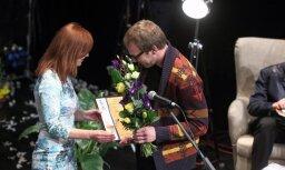 Pasniegtas Latvijas Literatūras gada balvas
