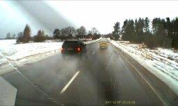 Video: Pārgalvīgs BMW gandrīz ietriecas satiksmes autobusā