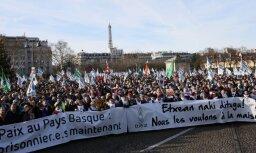 Parīzē demonstranti pieprasa saīsināt ETA locekļu cietumsodu termiņus