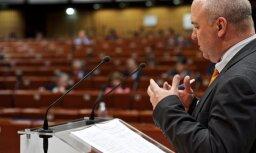 EP komisārs Muižnieks kritizē Eiropas valstis par reakciju uz migrantu jautājumiem