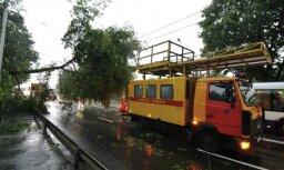 Pēc negaisa VUGD saņēmis 208 izsaukumus uz glābšanas darbiem