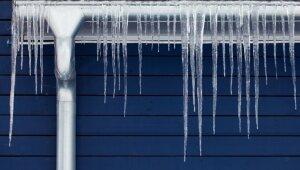 Ledus gabali uz jumta – kāpēc veidojas lāstekas un ko ar tām iesākt?