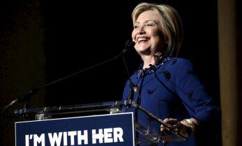 Aptauja: Vēlētājiem nepatīk ne Klintone, ne Tramps
