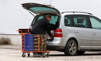 Koalīcija pēc nedēļas lems, vai palēnināt akcīzes alkoholam kāpumu no marta