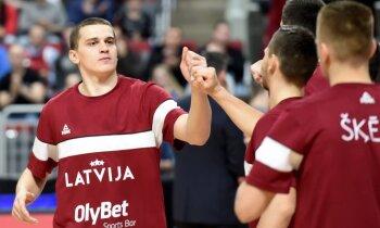 Latvijas izlases uzbrucējs Gražulis pēc uzvaras pār Turciju izceļ aizsardzības taktiku