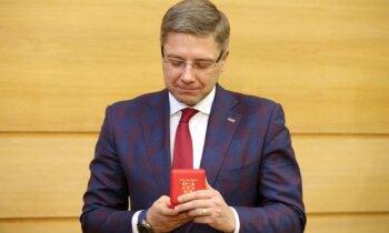 Ušakova preses sekretāre Ivāna devusies atvaļinājumā