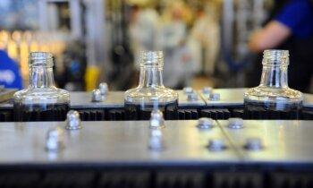 Saeima nolemj samazināt akcīzi stiprajam alkoholam