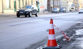 Čaka ielas atjaunošana: Rīgas dome atraida gandrīz divkārt lētāku piedāvājumu