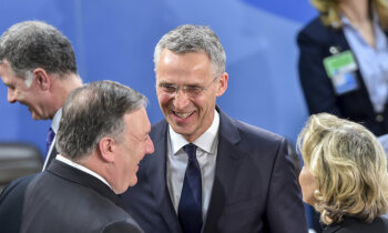 Столтенберг: Россия пытается запугать и дестабилизировать, но это не Холодная война