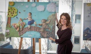 Skat, kā tas puisītis lido! Neārstējami slimi bērni uzmirdz fotogrāfijās projektā 'Sapņu tilti'