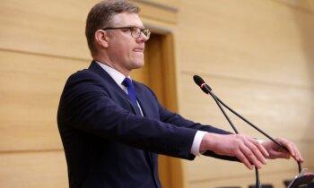 Ķirsis aicina Ušakovu un Ameriku nolikt mandātus