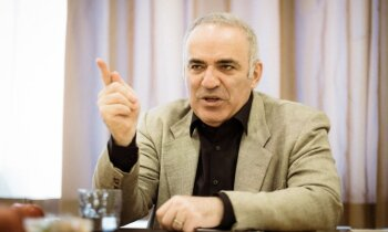 Kasparovs: Cilvēkiem, nevis tehnoloģijām ir monopols pār ļaunumu