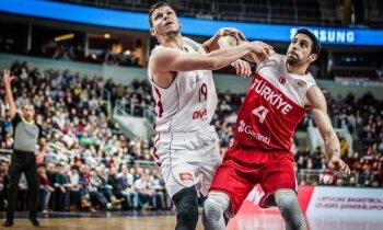 Lomažs komentē veiksmīgo debiju Latvijas basketbola izlasē