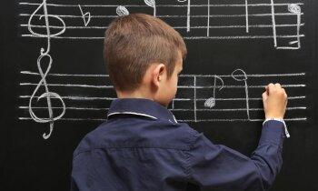 Viduvējību kalve? Likuma izmaiņas paredz speciālo novirzienu skolu pārveidi vispārizglītojošās